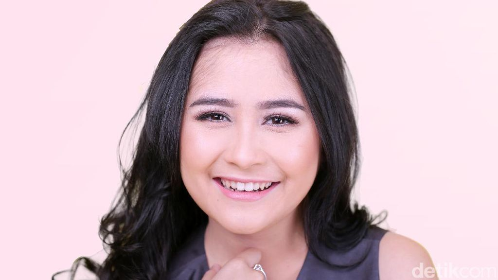 Masa Kecil Tak Banyak Teman, Prilly Latuconsina Jadi Princess di Rumah