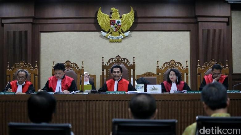 2 Terdakwa Kasus e-KTP Hadapi Vonis Hari Ini