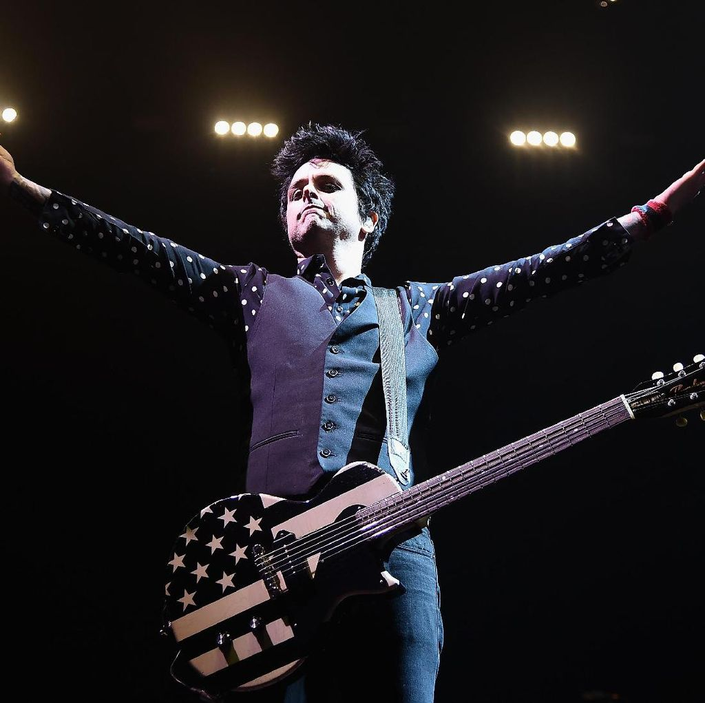 Penampilan Panas Green Day di Brooklyn