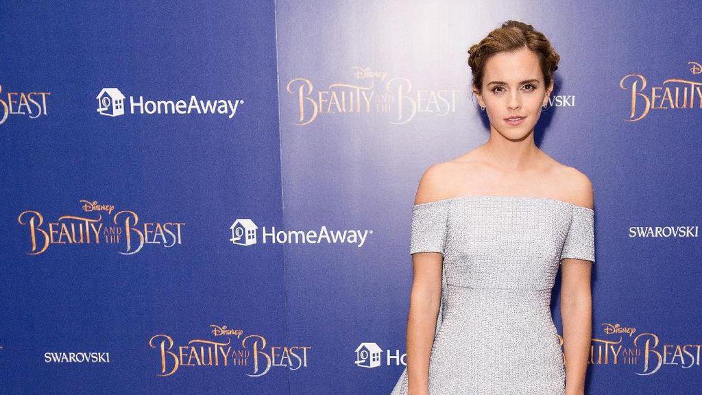 Foto: 5 Gaya Memukau Emma Watson di Premiere Beauty & the Beast