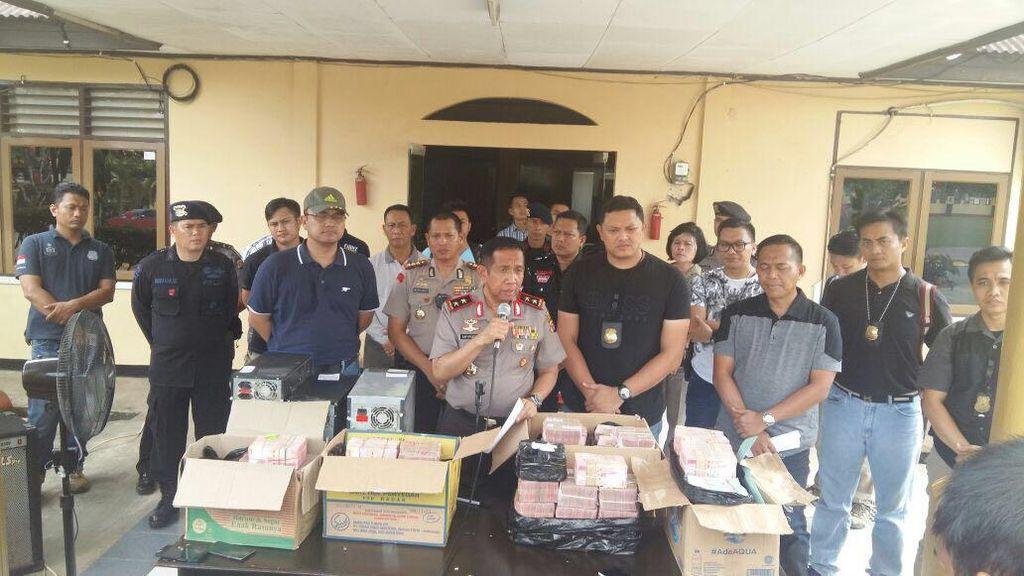 Polisi Tahan Anggota DPRD Samarinda Tersangka Pungli di Pelabuhan