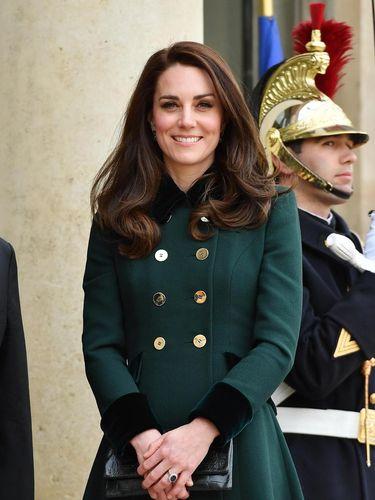 Alasan Kate Middleton Memotret Sendiri Anak-anaknya untuk Foto Kerajaan