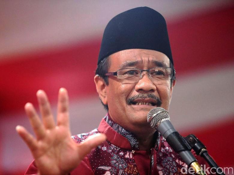 Tampilan Baru Berpeci di Surat - Jakarta Pasangan calon gubernur dan wakil gubernur Jakarta Basuki Tjahaja Purnama Saiful Hidayat memiliki penampilan baru di surat
