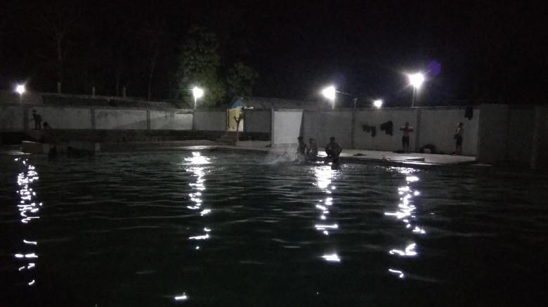 Foto: Kolam Air Panas Ie Suum di Aceh Besar (Agus Setyadi/detikTravel)