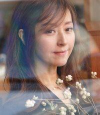 Cantik dan Awet Muda di Usia 58, Model Asal Korea Ini Curi Perhatian