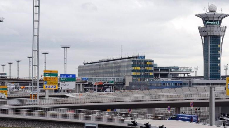 Pria Ditembak Mati di Bandara Paris, Nyaris 3 Ribu Orang Dievakuasi