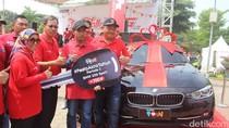 Jagal Sapi asal Sidoarjo dapat Hadiah BMW Sport