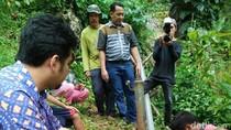 Tukang Kebun Ubah Knalpot Bekas Jadi Pompa Air Tanpa Listrik