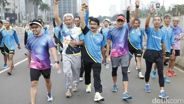 Lari Bareng Adhyaksa Dault, Sandiaga Diminta Benahi Urusan Olahraga