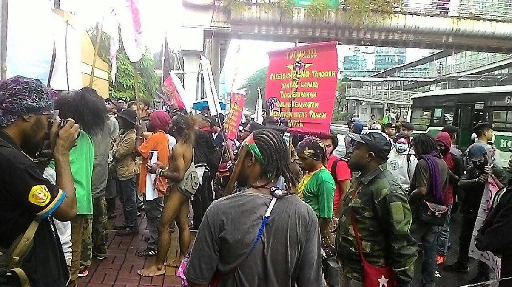 Tak Ditemui Perwakilan Freeport, Demonstran Bubarkan Diri