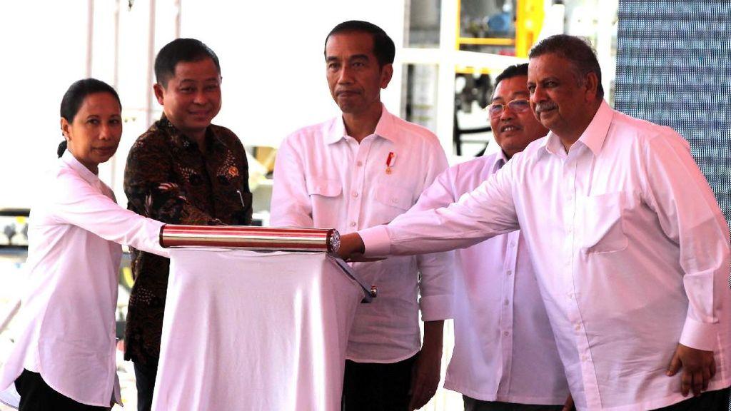 Jokowi Resmikan 8 Pembangkit Listrik