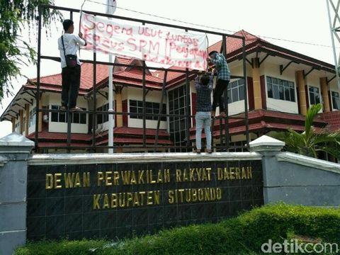 Demo mahasiswa di Situbondo