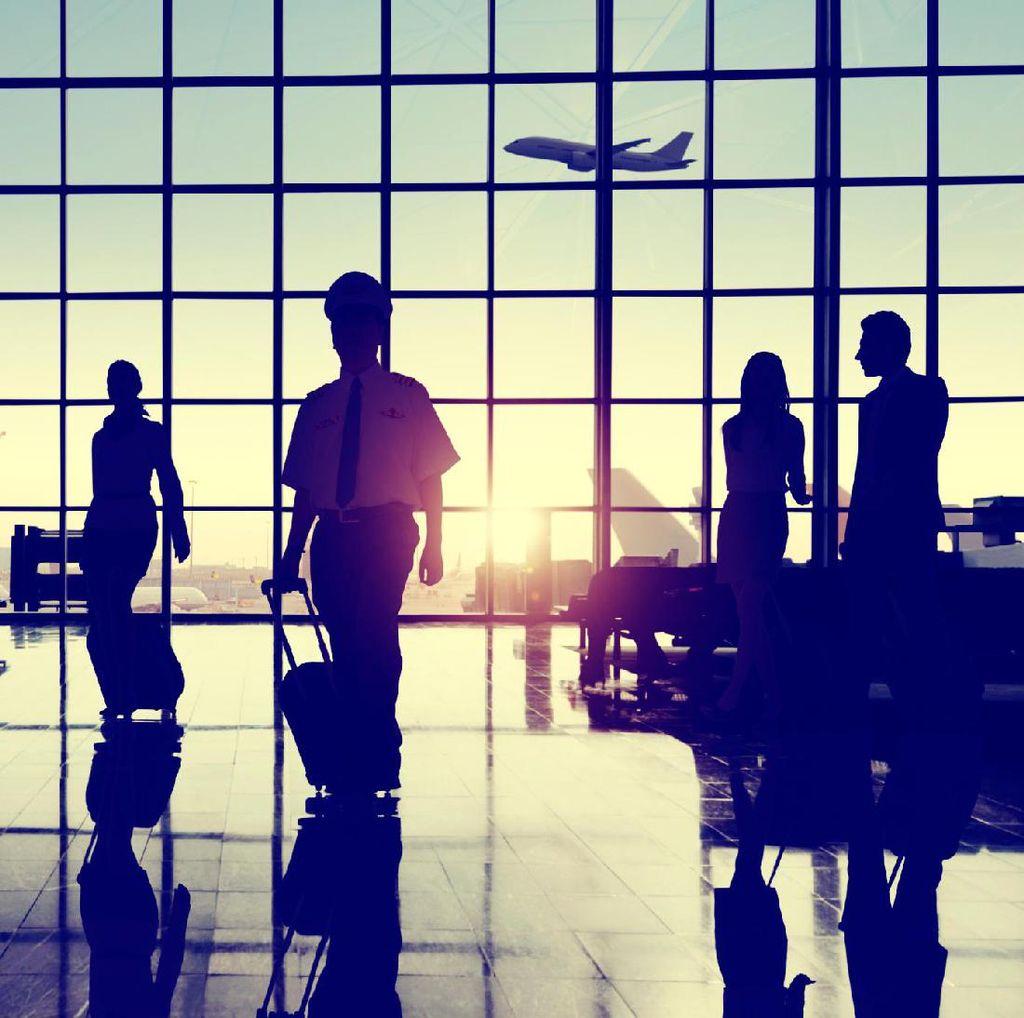 CEO Qatar Airways: Larangan Laptop Tak Incar Maskapai Timur Tengah