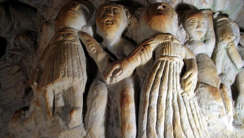 La Cave aux Sculpture, gua berisi 400 patung di Prancis (anjou-tourisme.com)