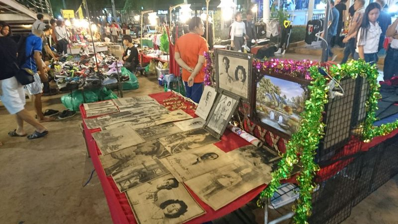 Bila traveler berkunjung ke daerah ini sudah mampir ke pasarnya belum? Ada satu pasar di Udon Thani yang buka dari pagi sampai malam lho (Masaul/detikTravel)