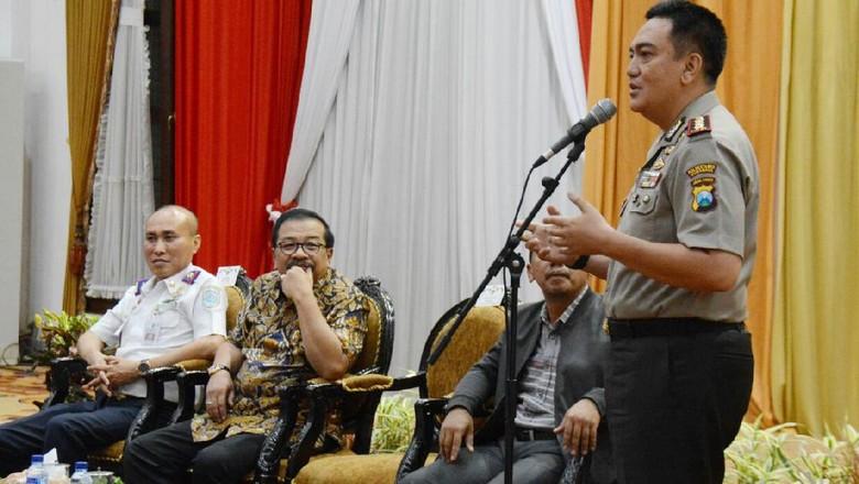 Sikapi Angkutan Online, Sopir Angkot Surabaya Bertemu Gubernur