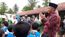 Mendikbud Bagikan 1.717 KIP di Sumatera Selatan