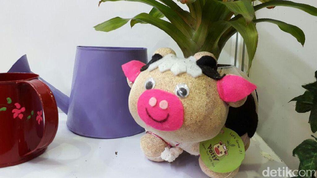 Bikin Pot Berbentuk Boneka, Wanita Ini Raup Omzet Rp 60 Juta/Bulan