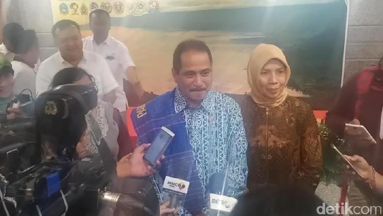 Foto: Menpar Arief Yahya dan Wakil Gubernur Sumut Nurhajizah (Randy/detikTravel)