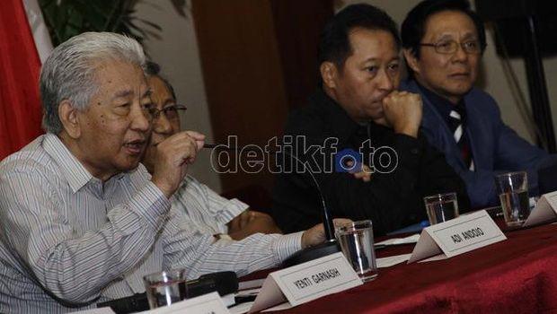 Adi Andojo dalam diskusi di Jakarta pada 2012 (hasan/detikcom)