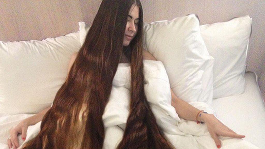 Panjang Rambut Hingga 2 Meter, Aliia Dijuluki Rapunzel di Dunia Nyata