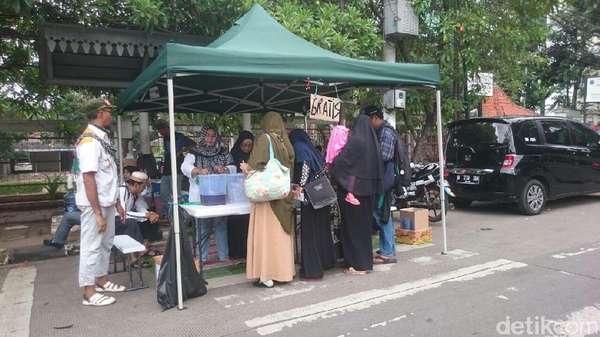 Dapur Logistik Gratis untuk Massa Aksi Pengawal Sidang Ahok