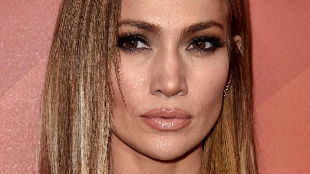 Foto: Makin Muda! Jennifer Lopez Potong Rambut Model Long Bob