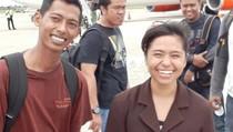 Ini Penampakan Beatrix dan Sang Pacar Saat Dibawa ke Surabaya