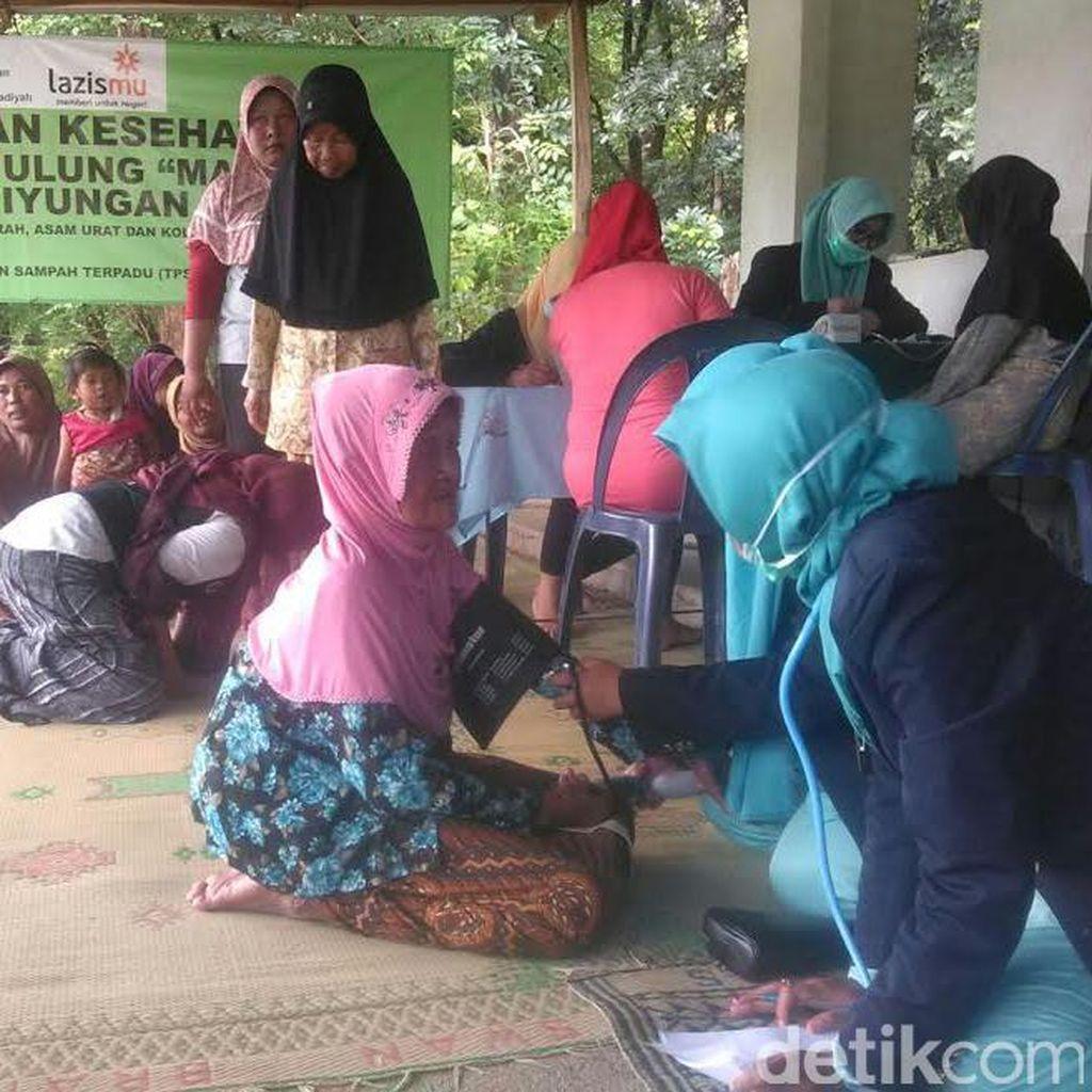 Muhammadiyah Periksa Kesehatan Pemulung di TPST Piyungan