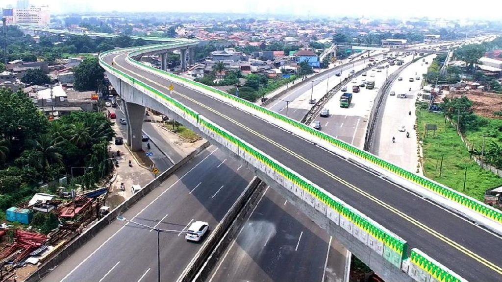 TransJakarta Operasikan Jalur Busway Layang di HUT DKI Jakarta