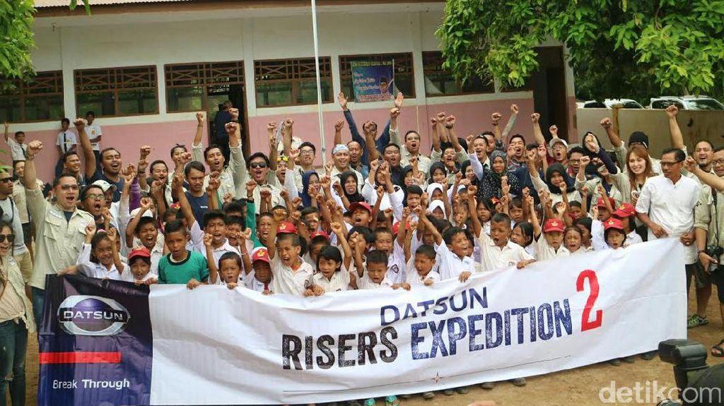 Tebar Inspirasi Risers Datsun Kunjungi Sekolah di Pelosok Bulukumba