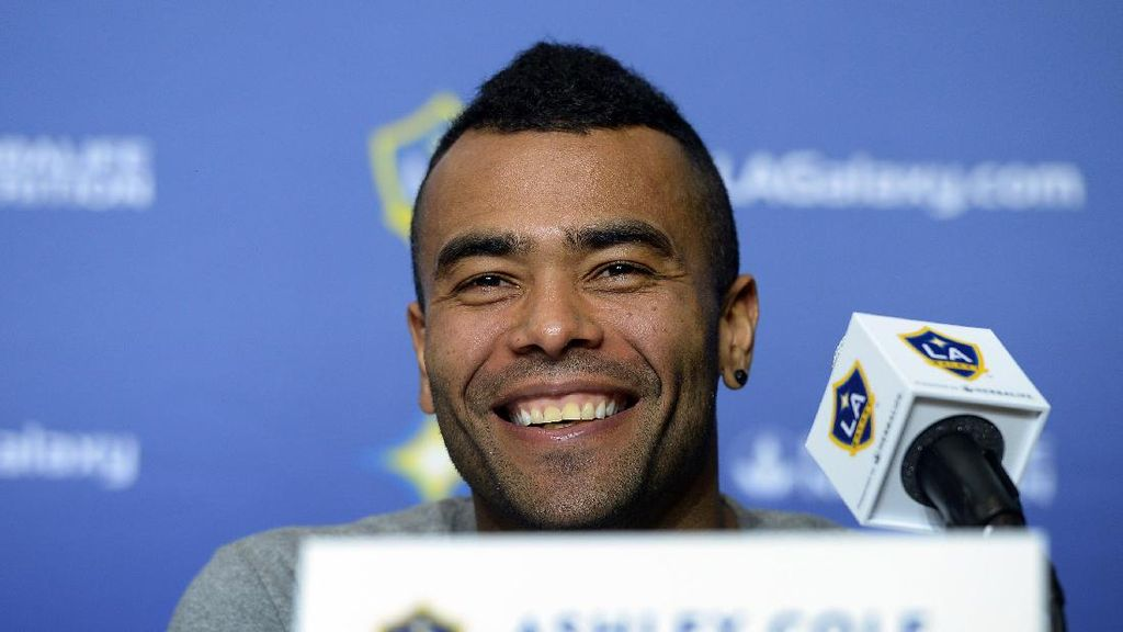 Ashley Cole Geli Lihat Arsenal