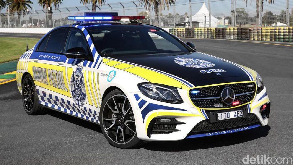 Polisi Australia Pakai Mobil Sport Mercy