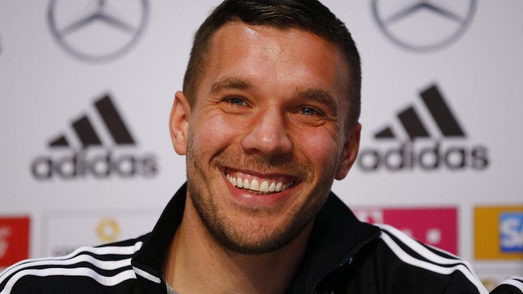 Laga Perpisahan Podolski dengan Die Mannschaft di Signal Iduna Park