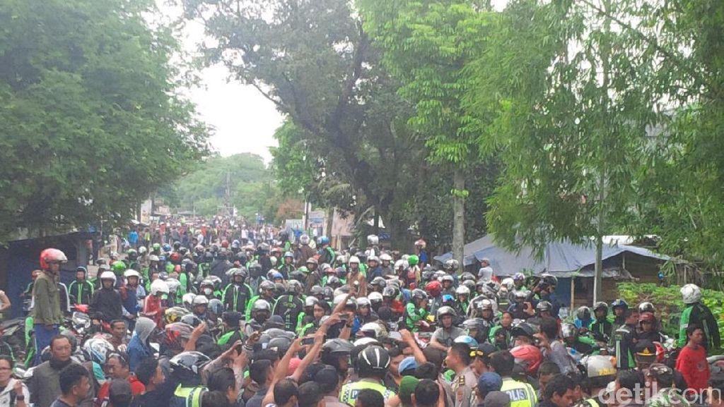 Sweeping Berujung Bentrok Antara Ojek Online dan Sopir Angkot Bogor