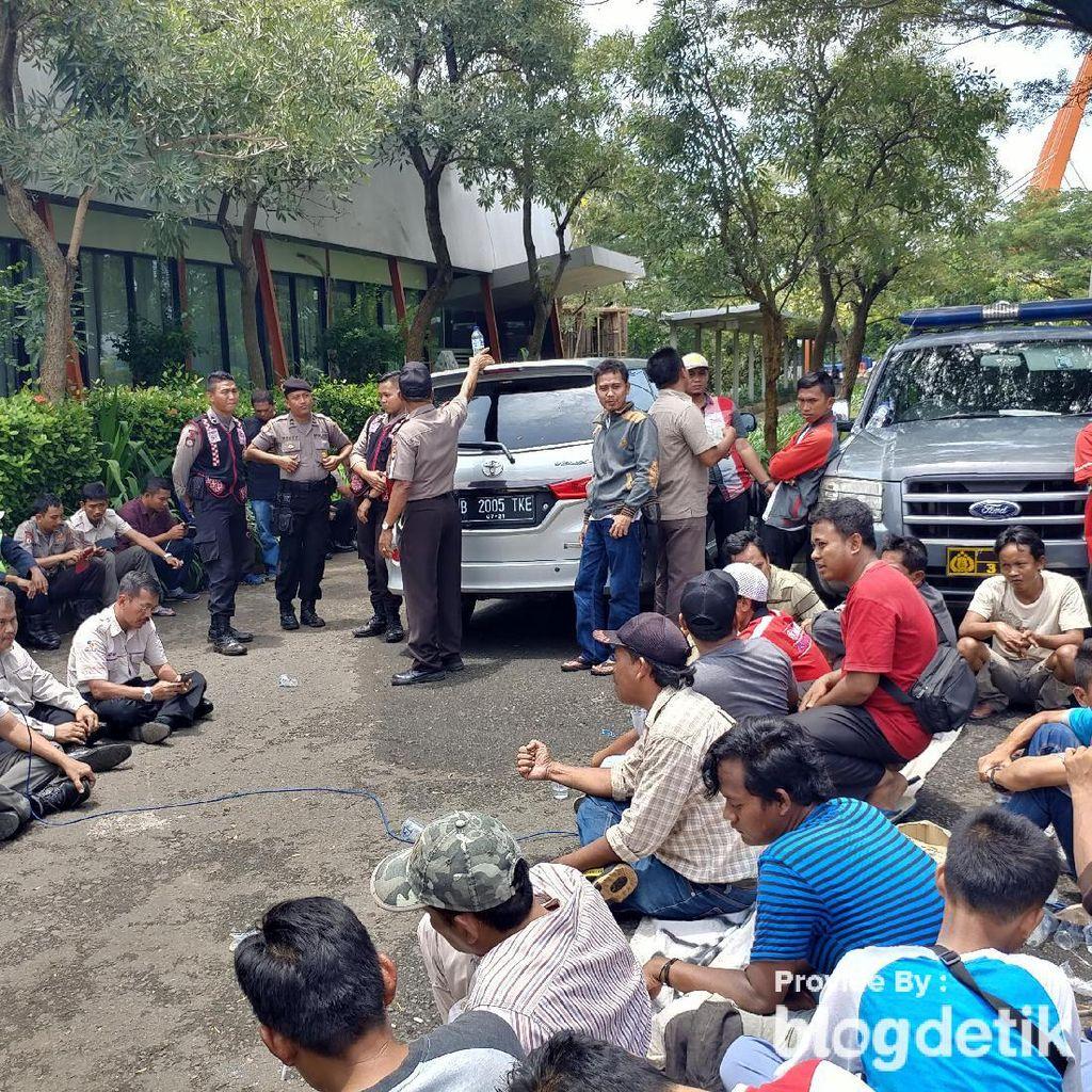 Lagi, Warga Japurabakti Geruduk Kantor Tol karena Banjir