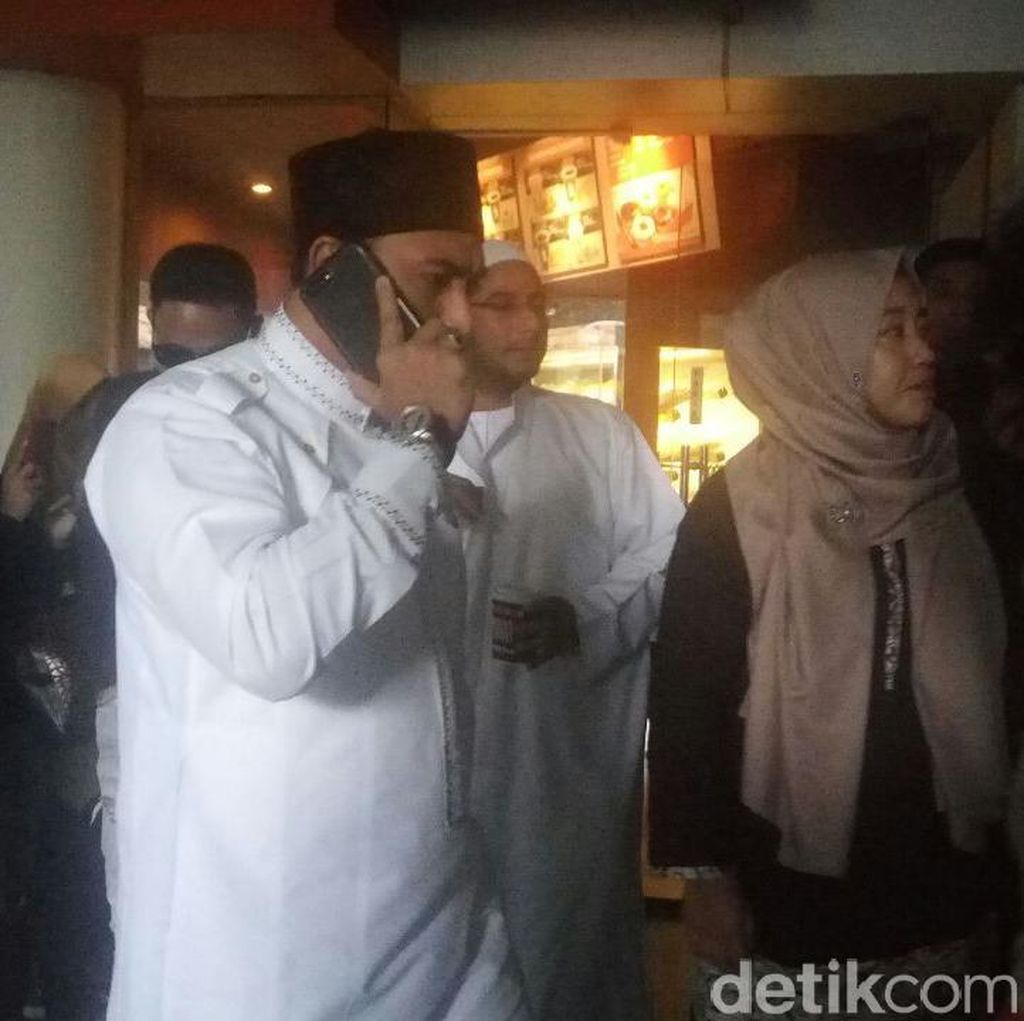 Terbukti Poligami, Ustad Al Habsyi Tak Ingin Cerai dari Istri Pertama