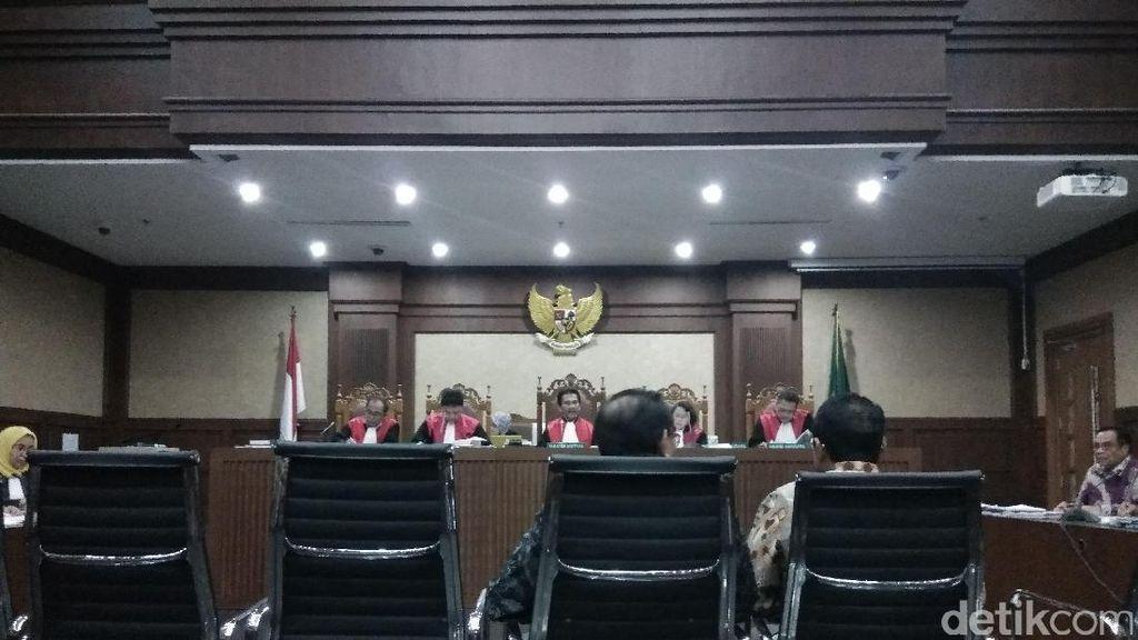 Hakim: Di BAP, Miryam Haryani Bilang Terima dan Bagikan Uang e-KTP