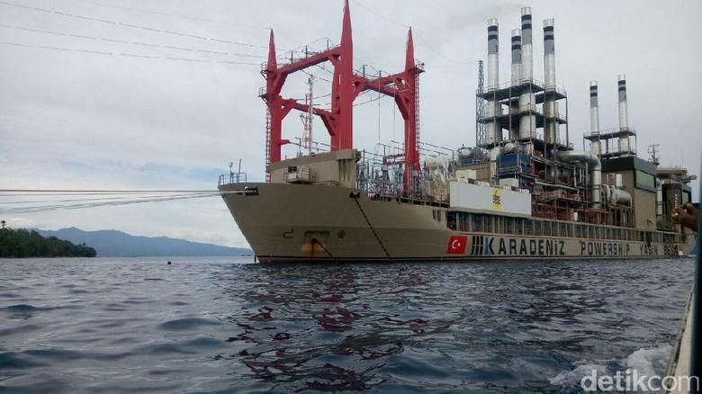 Kapal Genset Raksasa Turki Terangi Ambon Sejak Awal April