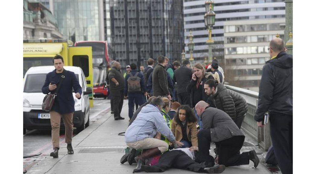 Polisi Bebaskan 12 Orang yang Diduga Terkait Teror London