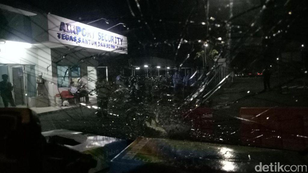 Supir Taksi Online yang Merasa Dijebak di Bandara SMB II