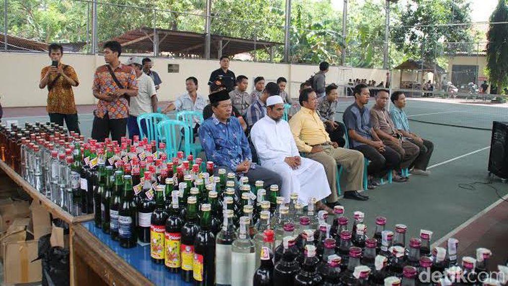 Bandar Miras Terbesar di Kebumen Bertobat di Depan Tokoh Agama