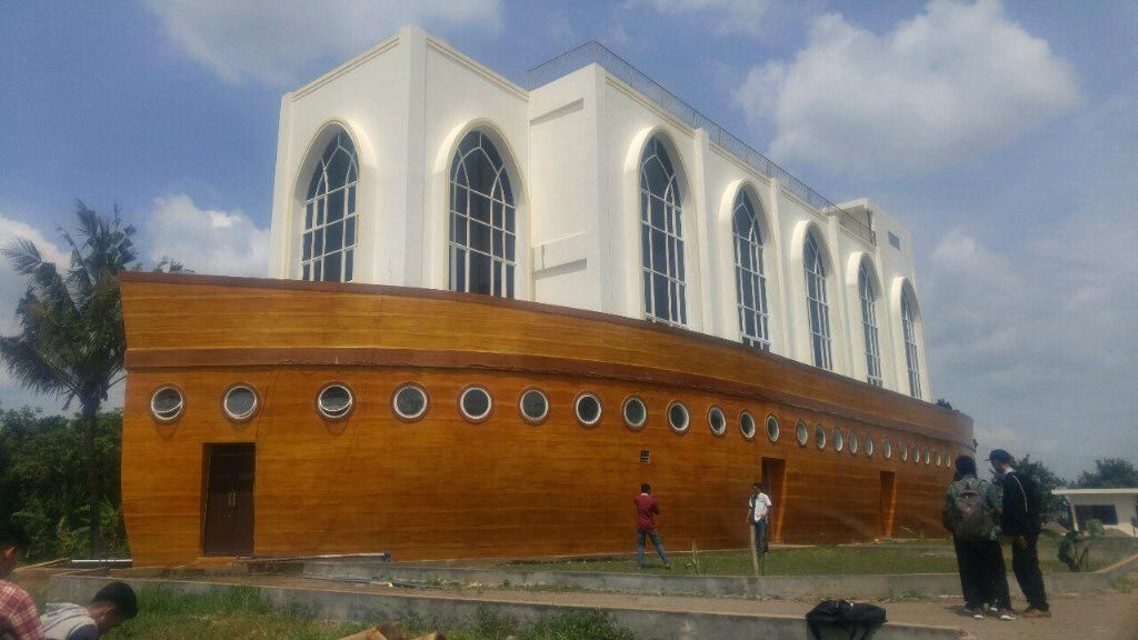 Potret Masjid Kapal Nabi Nuh di Semarang