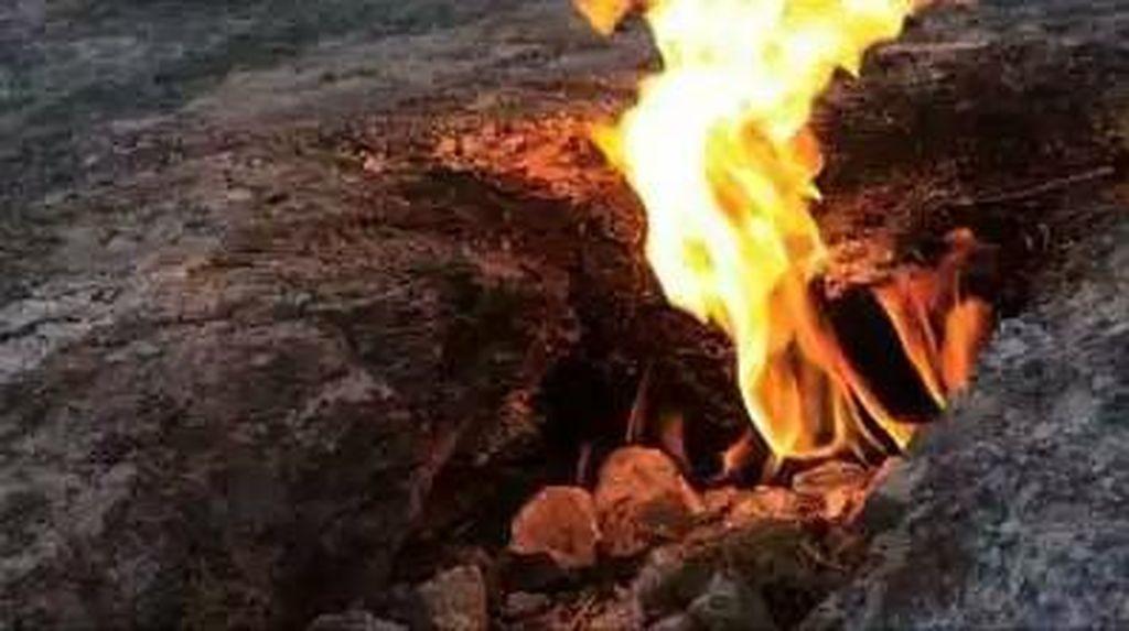 4 Tempat Melihat Api Abadi di Jawa dan Madura