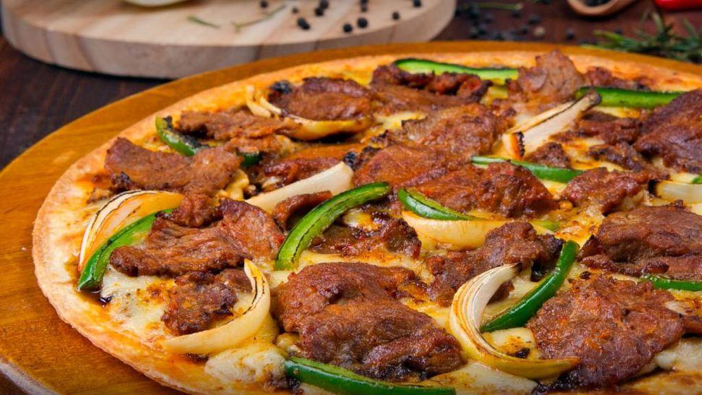 Ada Pizza Topping Rendang dan Tandoori Chicken di Chefs Premium Collection