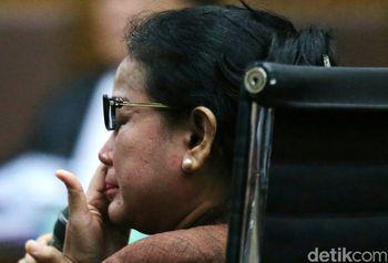 Miryam Haryani Menangis di Sidang Korupsi e-KTP