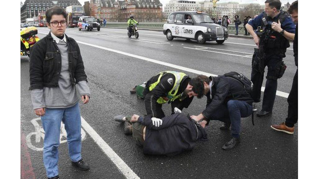 Polisi Inggris Tangkap 9 Orang Usai Serangan Teror London