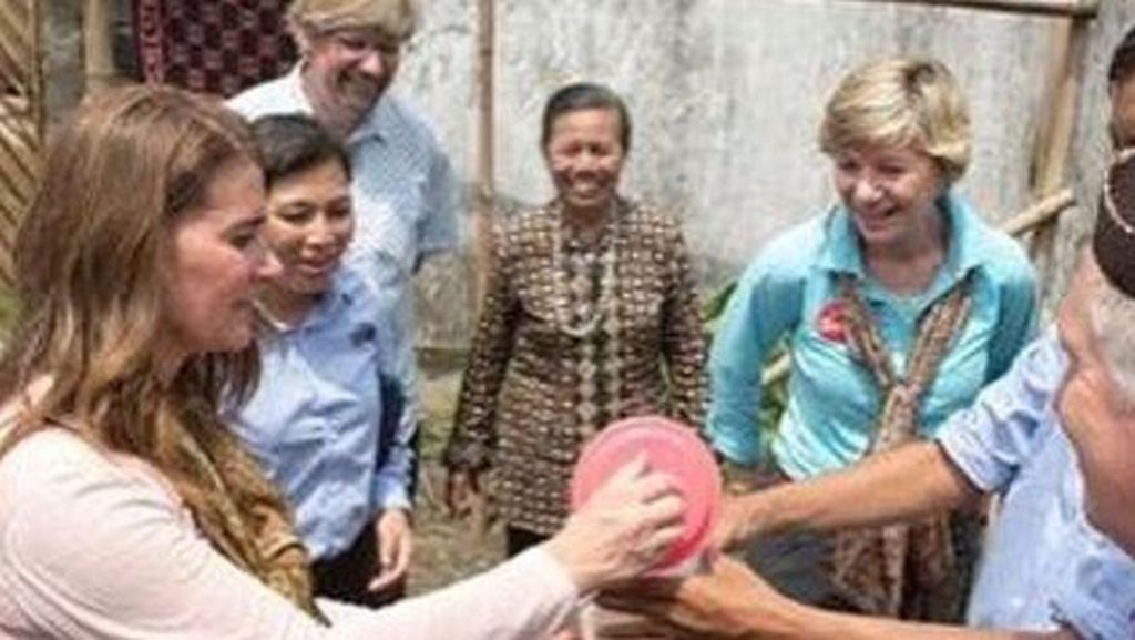 Istri Orang Terkaya Dunia Dorong Masyarakat Desa RI Punya Rekening Bank