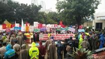 Tolak Pembangunan PLTU di Batang, Aktivis Lingkungan Demo di KPK