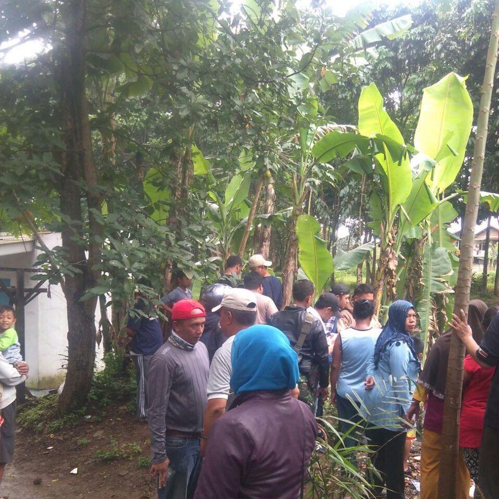 Warga Cimahi Digegerkan Penemuan Jasad Bayi di Sungai Cibaligo